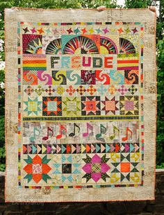 Huntspatch Quilts: Ode to Joy this quilt is beautiful! I Love Tim Holtz's fabrics