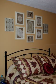 Nice way to display doilies.took old frames and painted them.lined the backing with burlap affixed with spray adhesive and then put on doily and glass and ta da. Framed Doilies, Lace Doilies, Crochet Doilies, Doily Art, Lace Art, Muebles Shabby Chic, Doilies Crafts, Crochet Decoration, Lace Decor