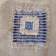 Boro Stitching, Hand Stitching, Cross Stitch Embroidery, Embroidery Patterns, Shashiko Embroidery, Japanese Quilts, Art Textile, Japanese Embroidery, Upcycled Clothing