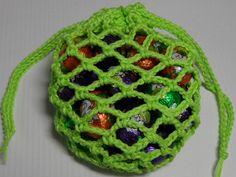 Netje voor paaseitjes Easter Crochet, Crochet Earrings, Knitting, Hats, Projects, Felting, Nostalgia, Diagram, Memories