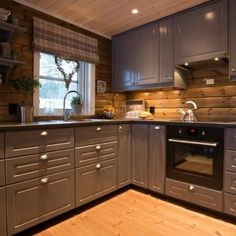 R U S T I C comfort ~ with a twist of modern Small Kitchen Appliances, Kitchen Cupboards, Kitchen Dining, Cabin Interiors, Wood Interiors, Small Cabin Kitchens, Norwegian House, Chalet Interior, Cabinet Styles