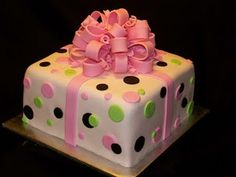 A cake that looks like a present!  Love the idea!