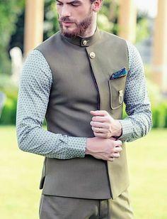 Dawar Siddiqui Mens Indian Wear, Indian Groom Wear, Indian Men Fashion, Mens Fashion Suits, Formal Dresses For Men, Formal Shirts For Men, Formal Outfits, Nehru Jacket For Men, Nehru Jackets