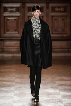 Aganovich Fall 2014 Ready-to-Wear Runway - Aganovich Ready-to-Wear Collection