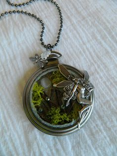 fairyflutters: pixiewinksfairywhispers: the-clockmakers-daughter: Oh-muh-GOSH… This timepiece takes my breath away! Fairy Jewelry, Fantasy Jewelry, Beaded Jewelry, Jewelry Box, Jewelry Making, Ribbon Jewelry, Fairy Crafts, Faeries, Girly Things