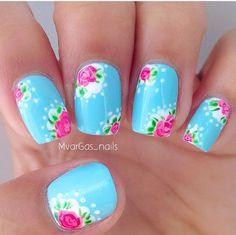 Dainty floral nail design