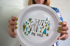 diy pie plate and ceramics art tutorial.  OMG I've got to do this! :)