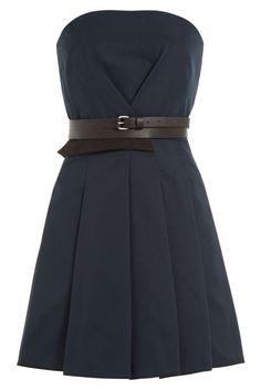 #Victoria, #Victoria #Beckham #Cocktailkleid mit #Ledergürtel #, #Blau für #Damen Mit einem Blazer funktioniert das navyblaü Cocktailkleid von Victoria, Victoria Beckham auch im Büro  >  Navyblau, Bustier, schwarzer Ledergürtel, Faltenrock, Reißverschluss  >  Tailliert geschnitten  >  Tragen wir mit einer dezenten Halskette und spitzen Pumps