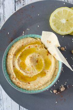 cremiger, klassischer Hummus. Leicht zuzubereiten, gesund und lecker. Recipe also in english!
