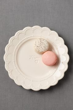 i like how the plate scallops echo the macarons