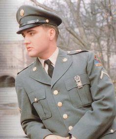 Elvis in uniform!