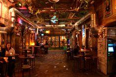 Szimpla Kert, ruin pub, Budapest