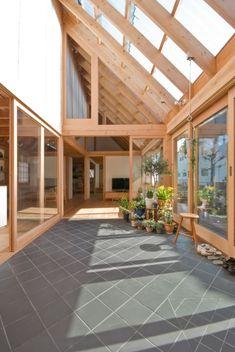 House in Kashiwa is a minimalist residence located Chiba, Japan, designed by ai/yuki CHIDA. Japanese Home Design, Japanese House, Exterior Design, Interior And Exterior, Best Interior Design, Interior Modern, House Goals, My Dream Home, Future House