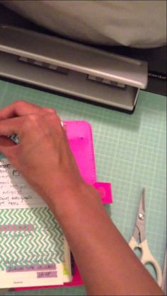 Filofax Tip: Making your own removable Dashboard - brilliant stuff here. Arc Planner, Home Planner, Planner Pages, Printable Planner, Planner Ideas, Printables, Paper Organization, Organizing, Day Planners