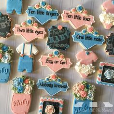 Ten little toes. Two little eyes . Boy or Girl. Gender neutral baby shower cookies for mommy to be Trisha! Crazy Cookies, Cute Cookies, Sugar Cookies, Simple Gender Reveal, Gender Reveal Cookies, Gender Party, Baby Gender, Cookie Designs, Cookie Ideas