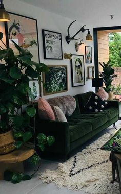 How To Achieve The Hygge Interior Trend In 8 Simple Steps Living Room Green, Boho Living Room, Green Rooms, Home And Living, Living Room Decor, Dark Living Rooms, Hipster Living Rooms, Living Area, Bohemian Bedroom Decor