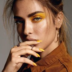 Marvelous Beauty Portrait Photography by Tina Eisen Fashion Makeup Photography, Beauty Photography, Portrait Photography, Photography Ideas, Yellow Makeup, Free Makeup Samples, High Fashion Makeup, Beauty Shoot, Natural Eye Makeup