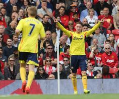 Connor Wickham of Sunderland celebrates his part in Sebastian Larsson... ニュース写真 487978255