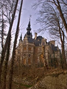 * Haunted Castle or abandoned? * - Esneux, Liege, Belgium. Chateau Le Fy.