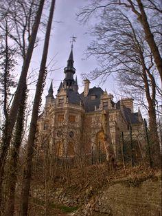 * Haunted Castle or abandoned? * - Esneux, Liege, Belgium. Chateau Le Fy.