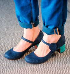 Chie Mihara shoes, sandals, blocs and boots. Buy now original, feminine footwear. Designer shoes of maximum comfort! Cute Shoes, Me Too Shoes, Mary Janes, Wedding Shoes Heels, Mary Jane Pumps, Dream Shoes, Shoe Closet, Beautiful Shoes, Shoe Collection