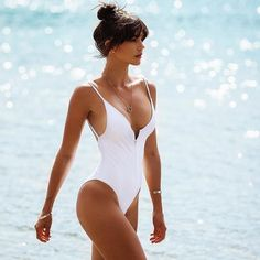 Sexy Swimwear Styles to give you a Stunning Silhouette