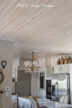 Home renovation not only helps in enhancing the overall appearance of the living place but also adds strength to the property. Astounding Home Renovation Ideas Interior and Exterior Ideas. Ceiling, Wooden Ceiling Design, Home Remodeling, Master Bedroom Remodel, Popcorn Ceiling, Kitchen Remodel, Ceiling Decor, Remodel Bedroom, Kitchen Ceiling