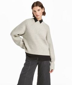 Red. PREMIUM QUALITY. Straight-cut, rib-knit sweater in wool with long raglan sleeves.
