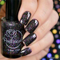 Esmalte Delirium da Coleção Delirium - Penélope Luz. Glitter. Glamour. Nails. Nail art. Nail design. Indie Polish.