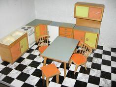 Bodo Hennig Küchemöbel+ Tischgruppe 50er J Puppenhaus-Puppenstube-Puppenküche in Antiquitäten & Kunst, Antikspielzeug, Puppen & Zubehör, Puppenstubenzubehör, Original, gefertigt vor 1970, Möbel | eBay