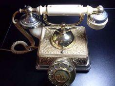 LINDÍSSIMO TELEFONE ANTIGO DOURADO