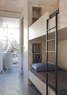 Plywood bunk beds--Campsite House in Scarborough, Western Cape South Africa Credit:{Nicolas Matheus} Loft Spaces, Small Spaces, Small Rooms, Ideas Cabaña, Bed Ideas, Plywood Interior, Built In Bunks, Built Ins, Modern Bunk Beds