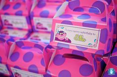 Alice in Wonderland Party Favors. LOVE the Very Merry Un-Birthday favor boxes!