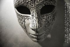Sacred Mask, 2013. Indian ink and acrylic on Venetian carnival mask / Encre de chine et acrylique sur masque de carnaval Venitien.