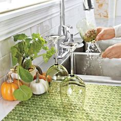 DryMate® Kitchen Dry Mat Soft mat absorbs 5X its weight in water to protect counters.