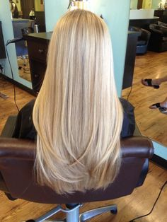 New hair goals ombre long ideas Hair Blond, Blonde Hair With Highlights, Color Highlights, Blonde Long Hair Cuts, Blonde Hair With Layers, Long Haircuts With Layers, Haircut Long Hair, Long Blonde Hairstyles, Super Blonde Hair