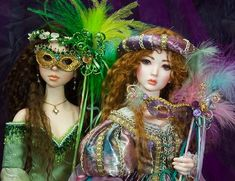 Make a fancy mask to go with your doll's most elaborate outfit. Whether it be for Mardi Gras or for a Masquerade, your girl will be the 'belle of the ball' with one of these masks! *This tutorial was...