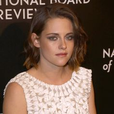Kristen Stewart Attends The National Board Of Review Gala In New York - http://oceanup.com/2016/01/06/kristen-stewart-attends-the-national-board-of-review-gala-in-new-york/