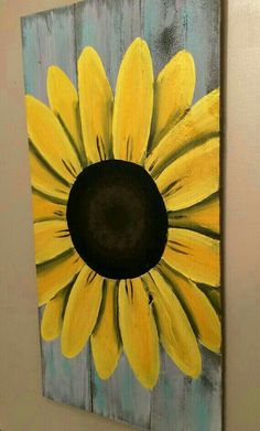 How To,Reclaimed Wood Art, sunflower sign, custom reclaimed wood decor. Personalized… How To Make Wood Art ? Wood art is generally the task of shaping arou. Arte Pallet, Pallet Art, Pallet Beds, Diy Pallet, Pallet Wood, Sunflower Wall Decor, Sunflower Decorations, Wood Decorations, Sunflower Kitchen Decor