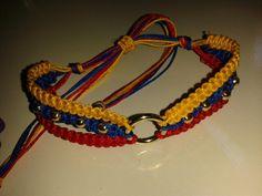 Pulsera! Jewelry Knots, Bracelet Knots, Bracelet Crafts, Macrame Jewelry, Macrame Bracelets, Bracelet Making, Wire Jewelry, Jewelry Bracelets, Jewelry Making