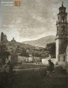 Son los templos del Sr. Santiago y San José respectivamente (también conocidos como el templo de abajo y templo de arriba).
