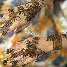 different mehendi design Arabic Henna Designs, Modern Mehndi Designs, Bridal Henna Designs, Mehndi Design Pictures, Beautiful Henna Designs, Mehndi Images, Mehandi Designs, Mehandi Henna, Jagua Henna