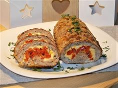 Rulada de carne tocata cu ardei si cascaval - YouTube Cheesy Meatloaf, Cheese Stuffed Meatloaf, Best Meatloaf, Homemade Meatloaf, Baked Potato, Carne, Thanksgiving, Stuffed Peppers, Bell Pepper