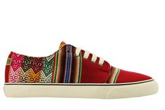 Discover the official MIPACHA store: purchase handmade Peruvian shoes and enjoy the world of MIPACHA.