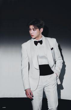 When You Smile, Your Smile, Kang Daniel Produce 101, Daniel K, Rose Shirts, Prince Daniel, Kim Jaehwan, Pinterest Photos, Ex Boyfriend