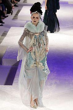 Sfilate Christian Lacroix Alta Moda Autunno-Inverno 05-06 - Sfilate Parigi - Moda Donna - Style.it