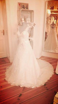 Fräulein Weiß, gebrauchte Brautmode - Second Hand Brautkleider