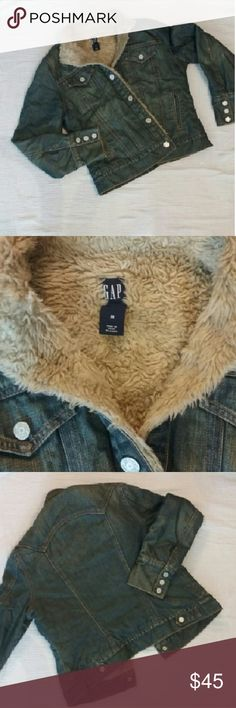 Gap Sherpa lined Denim Jacket This blue jean jacket us sure to keep you warm with this Sherpa lining!   This jacket is is good condition with no stains!   Size Medium in Women's. GAP Jackets & Coats Jean Jackets