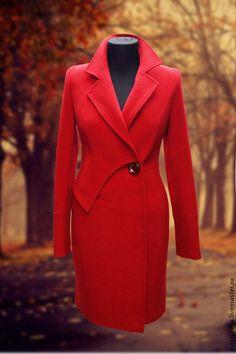 Демисезонное пальто в классическом стиле но с декоративной деталью в области талии, которая элегантно разбавляет строгий классический образ. Приталенный силуэт. Представлена в красном темносинем и шоколадно-коричневом цвете. Для связи 89637768006.