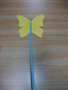 Preschool Crafts for Kids*: Easy Butterfly Straw and Paper Craft and song